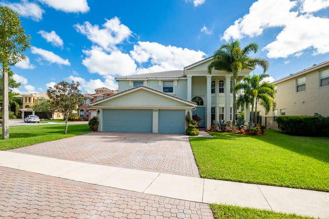 Home for sale in Olympia/thomson Wellington Florida