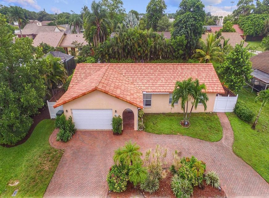 3553 NW 26th Court  Boca Raton FL 33433