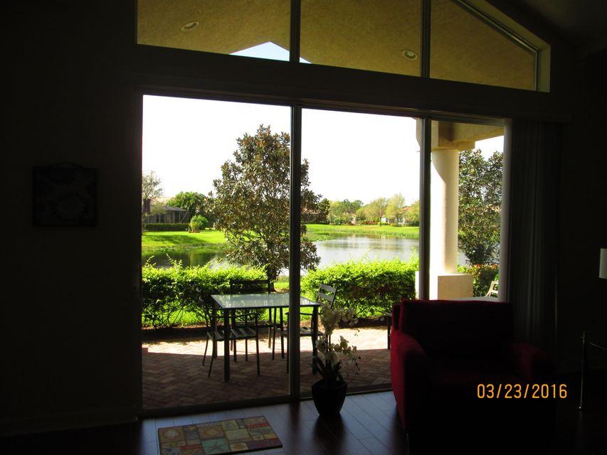 7212  Maidstone Drive, Port Saint Lucie, Florida