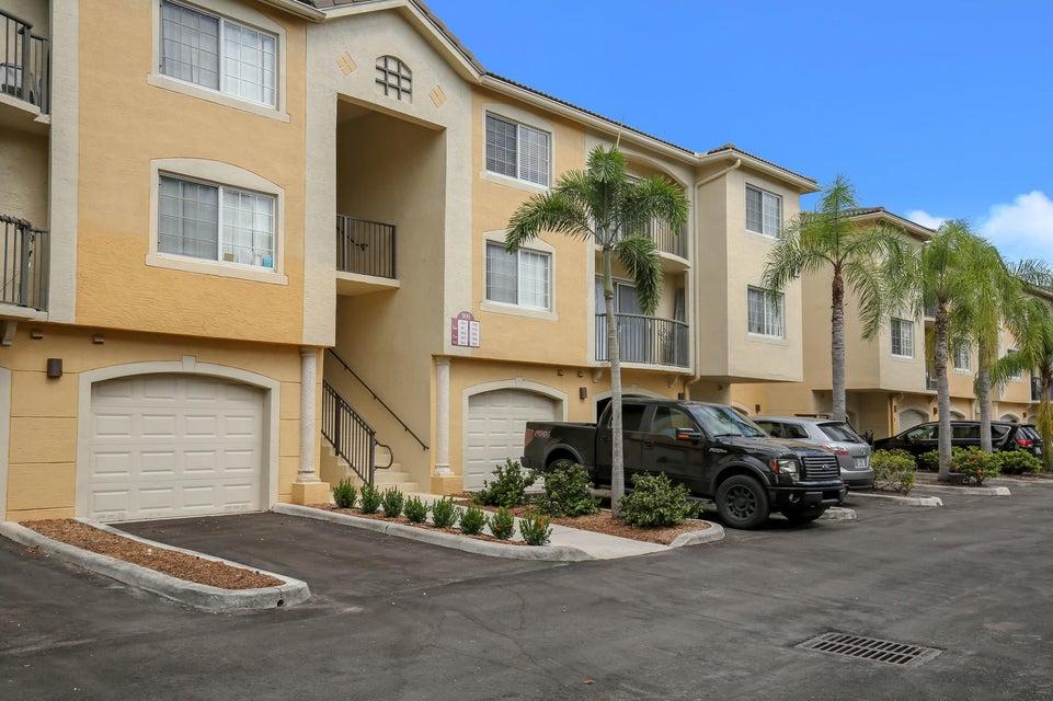 900 Crestwood Court 910 Royal Palm Beach, FL 33411