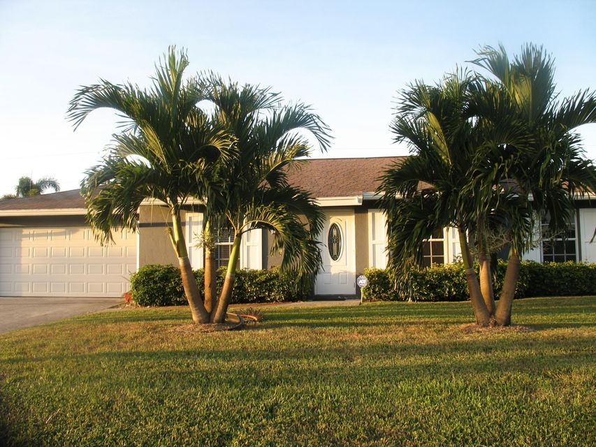 74 W Rubber Tree Drive Lake Worth, FL 33467