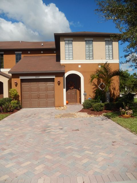 5000 NW Coventry Circle, Port Saint Lucie, Florida