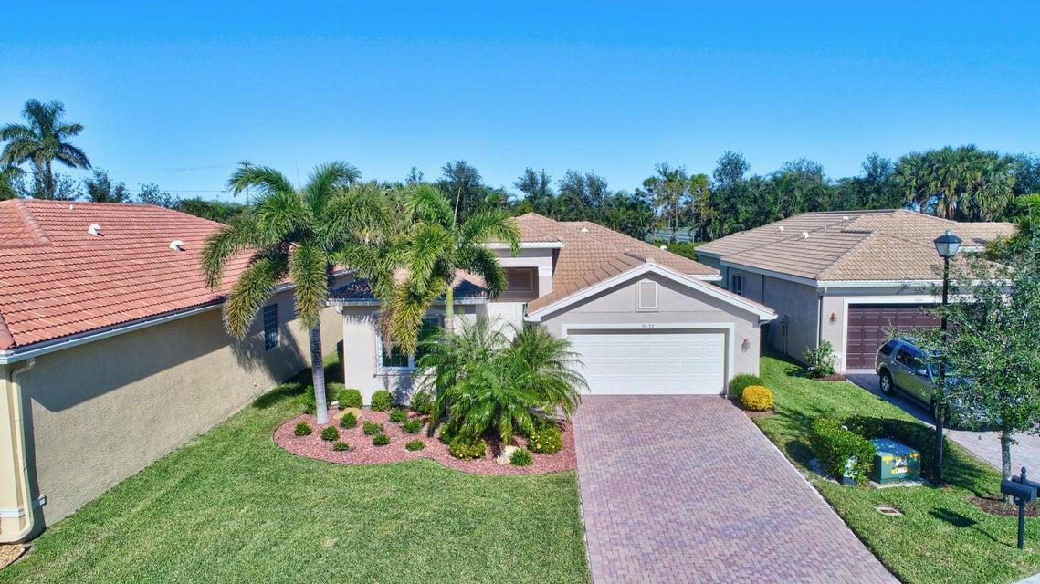 Valencia Reserve home 9897 Yellowfield Drive Boynton Beach FL 33473