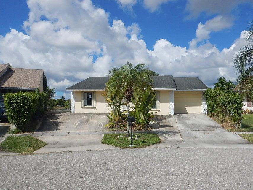 7371 Pinedale Drive  Boynton Beach, FL 33436