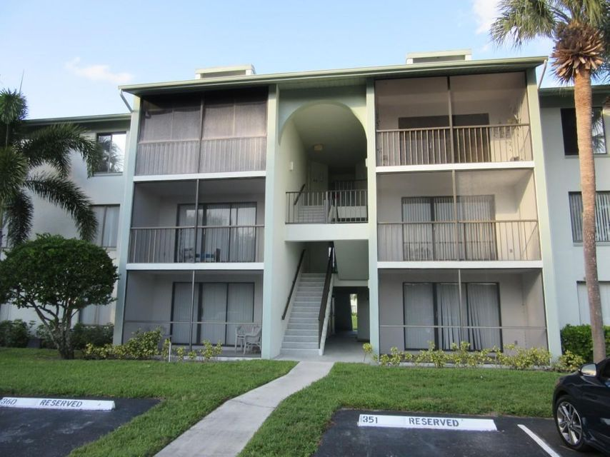 Home for sale in Palm Club West Village West Palm Beach Florida
