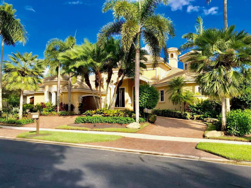Home for sale in IBIS GOLF AND COUNTRY CLUB 2 West Palm Beach Florida