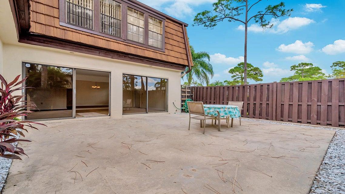 119 Weybridge Circle B Royal Palm Beach, FL 33411 photo 3