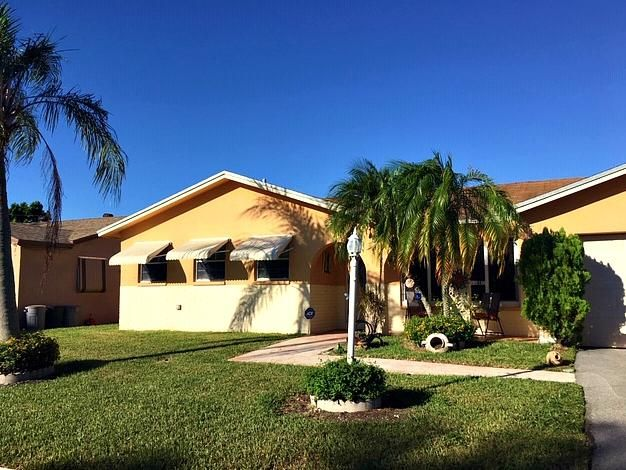 22205 SW 61st Avenue  Boca Raton, FL 33428