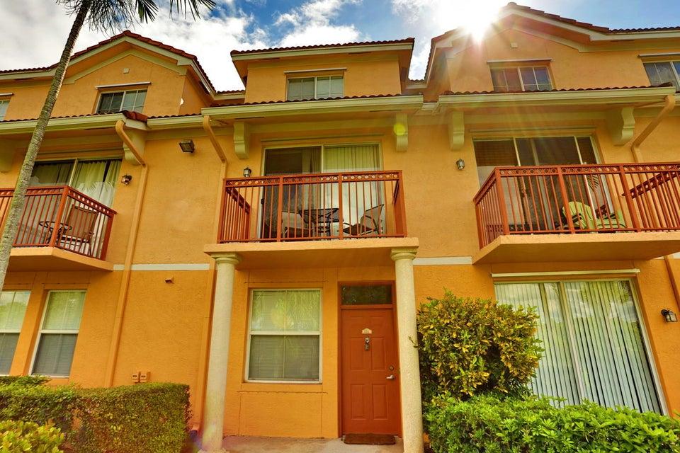 2052 Alta Meadows Lane 2211  Delray Beach, FL 33444