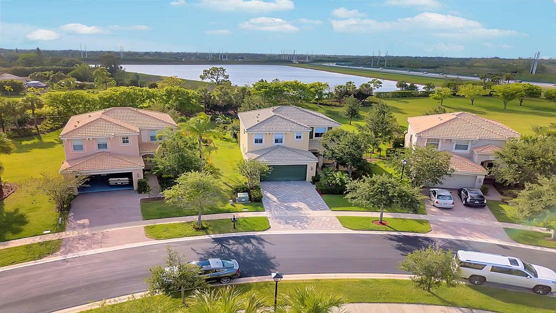 2715 Pienza Circle Royal Palm Beach, FL 33411 photo 2