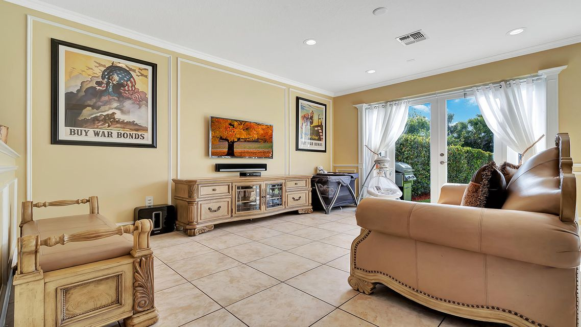 2715 Pienza Circle Royal Palm Beach, FL 33411 photo 13