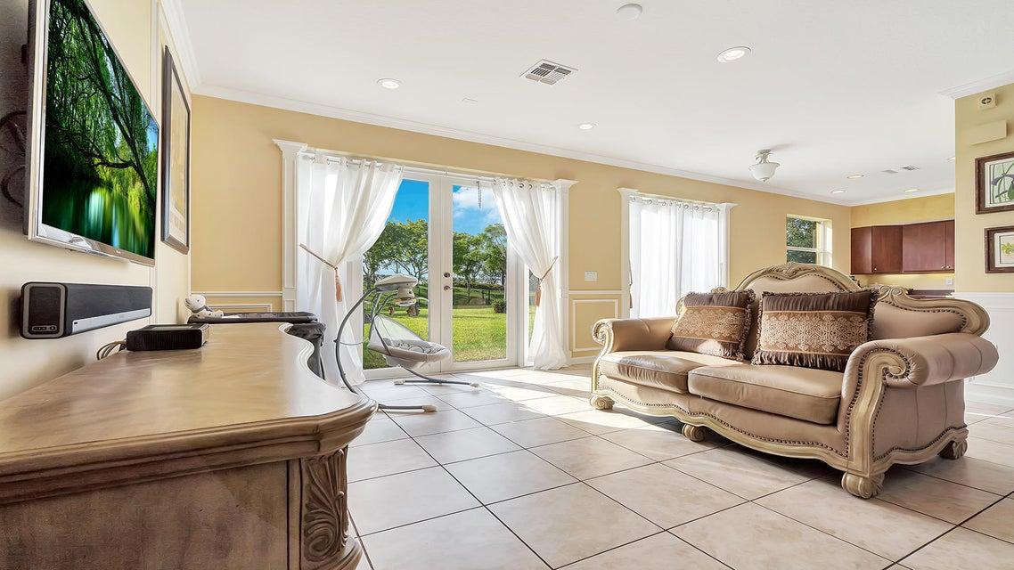 2715 Pienza Circle Royal Palm Beach, FL 33411 photo 14