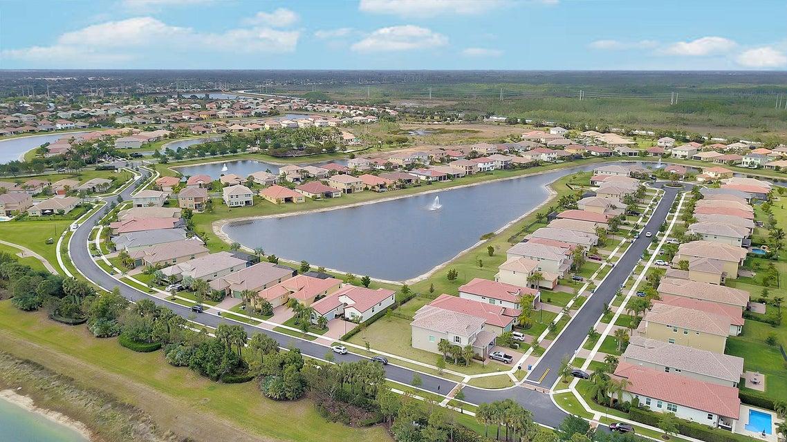 2715 Pienza Circle Royal Palm Beach, FL 33411 photo 38
