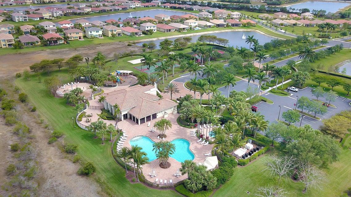 2715 Pienza Circle Royal Palm Beach, FL 33411 photo 41