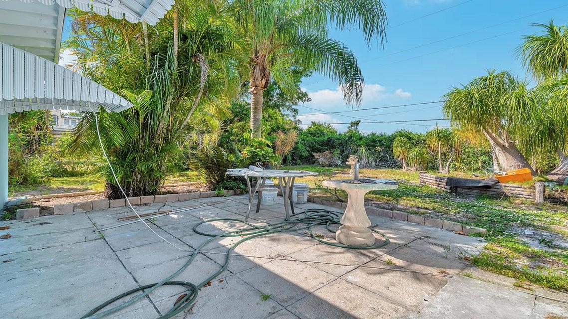 3909 Eastview Avenue West Palm Beach, FL 33407 photo 18