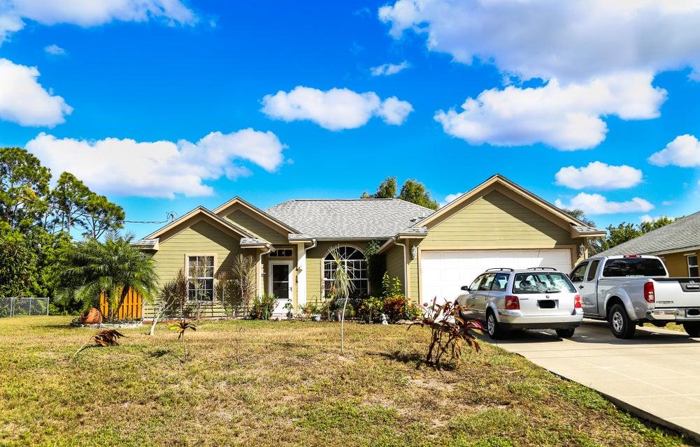 3019 SW Ann Arbor Road, Port Saint Lucie, Florida
