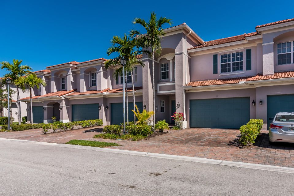 18 Nottingham Place 18  Boynton Beach, FL 33426