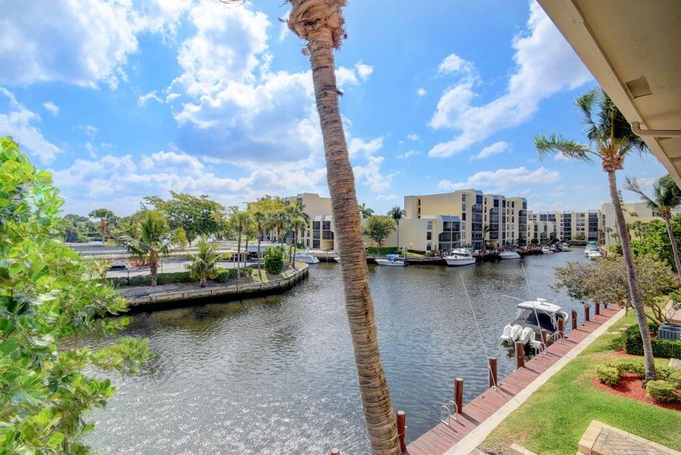 23 Royal Palm Way 18  Boca Raton FL 33432