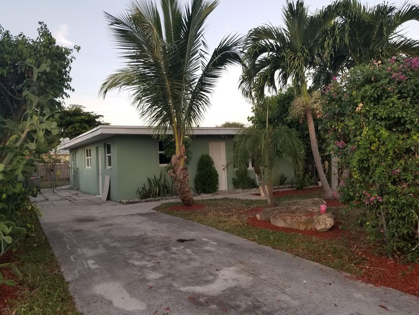 Home for sale in Ridge Grove Lake Worth Florida
