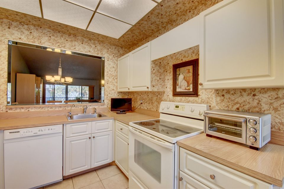 5187 Oakhill Lane 622 Delray Beach, FL 33484 photo 15