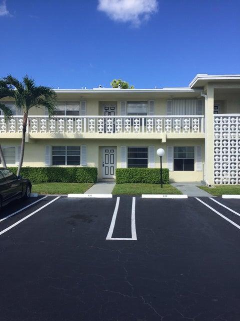 1121 Cactus Terrace 103  Delray Beach, FL 33445