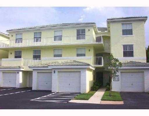 2040 Greenview Shores Boulevard 213 Wellington, FL 33414