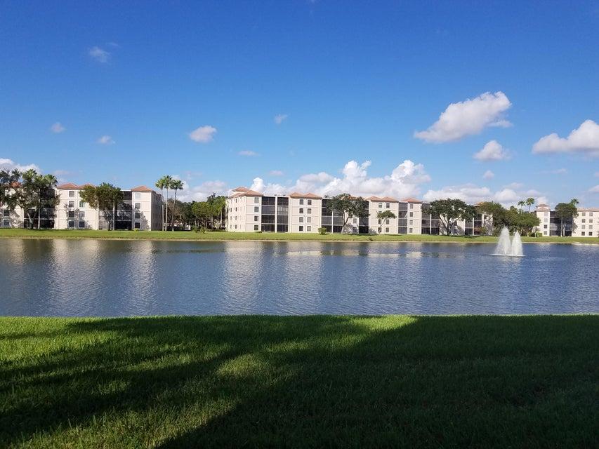 HUNTINGTON POINTE home 6193 Pointe Regal Circle Delray Beach FL 33484