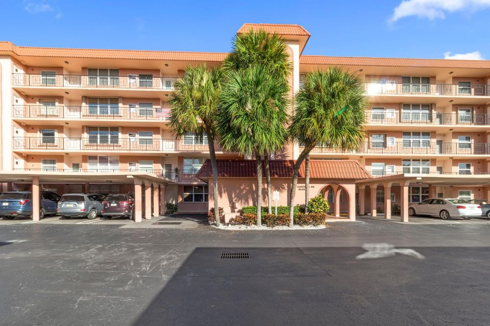 921 Gardenia Drive 472  Delray Beach FL 33483