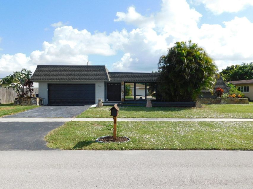 Home for sale in Palm Beach Colony Sec 02 Rep Royal Palm Beach Florida