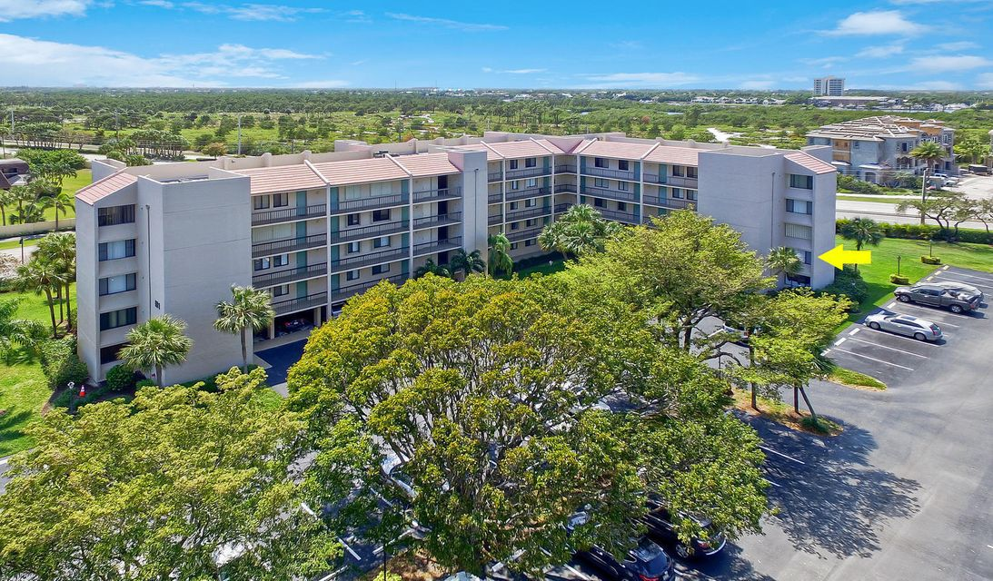 Home for sale in Tennis Villas - Midrise Jupiter Florida