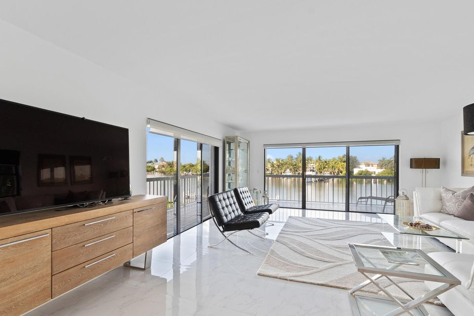 Home for sale in BEAUVOIS ON THE LAKE CONDO South Palm Beach Florida