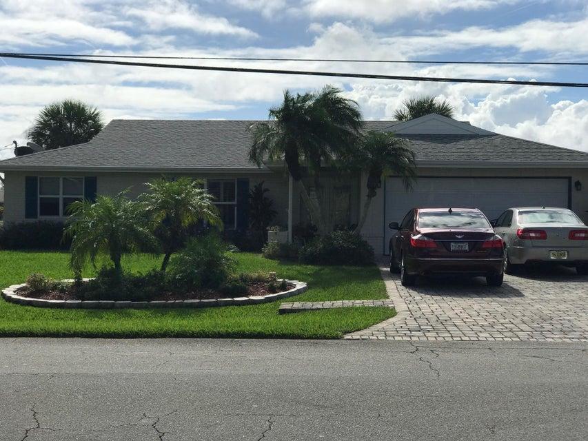254 NE Surfside Avenue, Port Saint Lucie, Florida