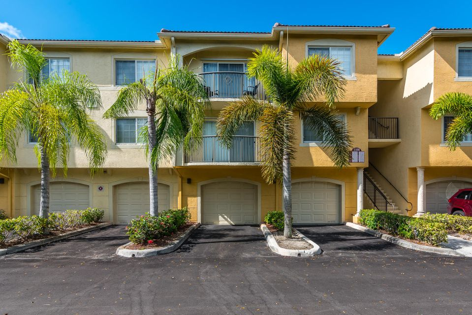 1100 Crestwood Court 1114 Royal Palm Beach, FL 33411