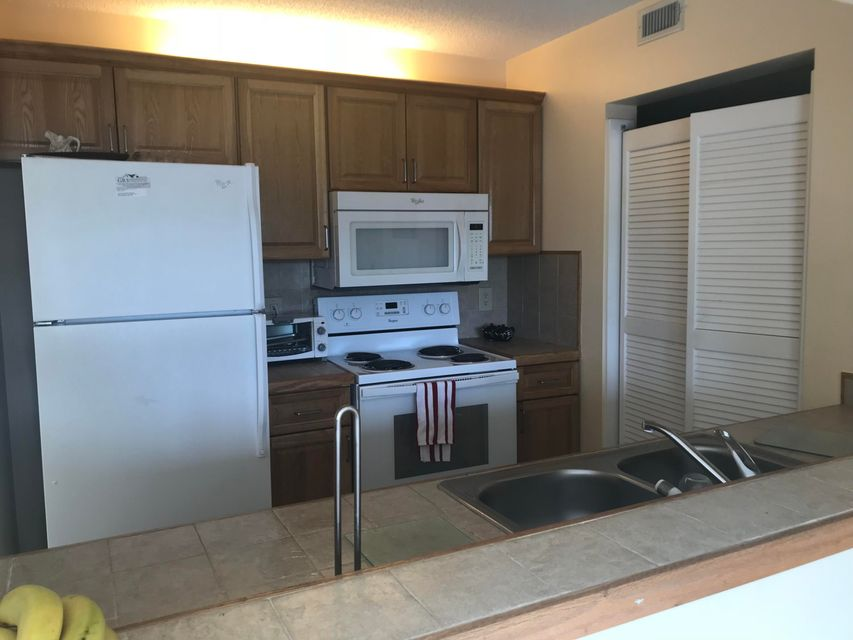 Pine Ridge At Delray Beach Condo 13791 Oneida Drive