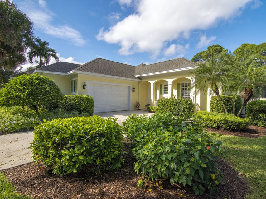 838  Carolina Circle SW, Vero Beach in Indian River County, FL 32962 Home for Sale