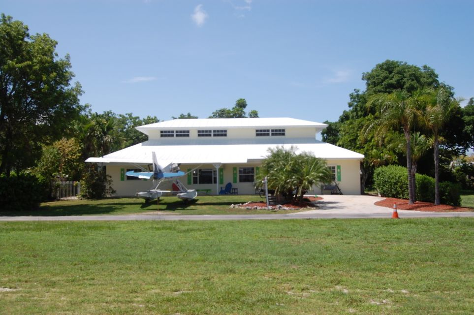 135 Airport Road N, Plantation Key, FL 33070