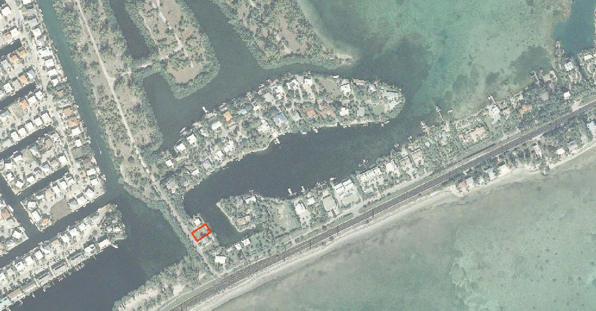 Additional photo for property listing at 113 Sandy Cove Avenue 113 Sandy Cove Avenue Islamorada, Florida 33036 États-Unis