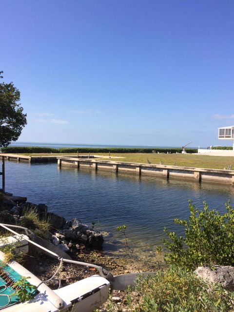 Additional photo for property listing at Treasure Harbor  Islamorada, Florida 33036 Estados Unidos