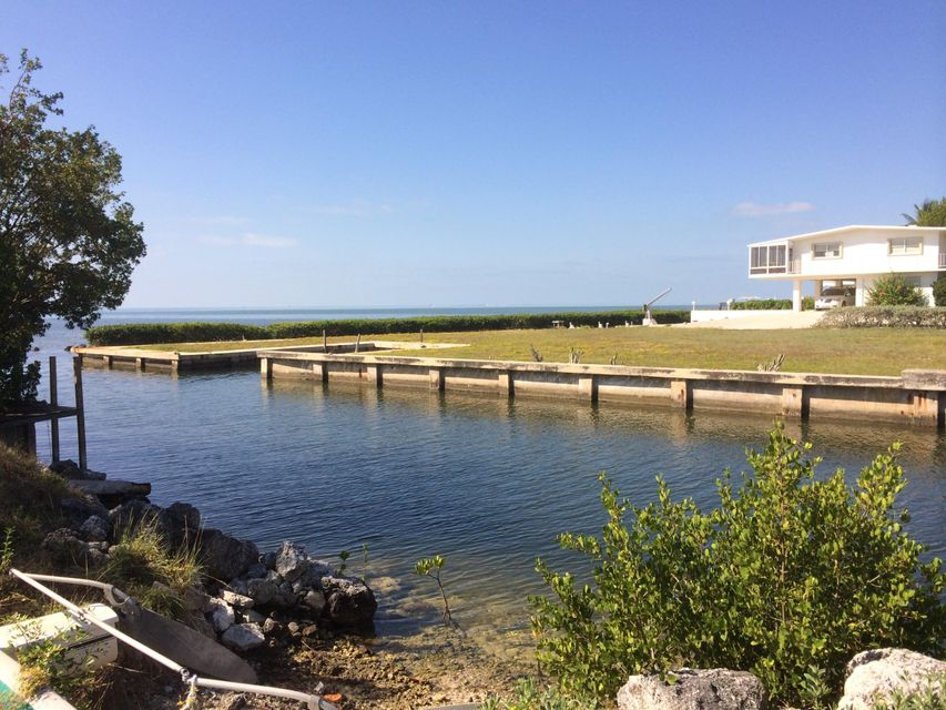 Additional photo for property listing at Treasure Harbor  Islamorada, Florida 33036 Stati Uniti