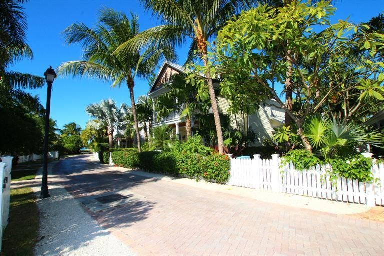 Additional photo for property listing at 51 Sunset Key Drive  Key West, Florida 33040 Usa