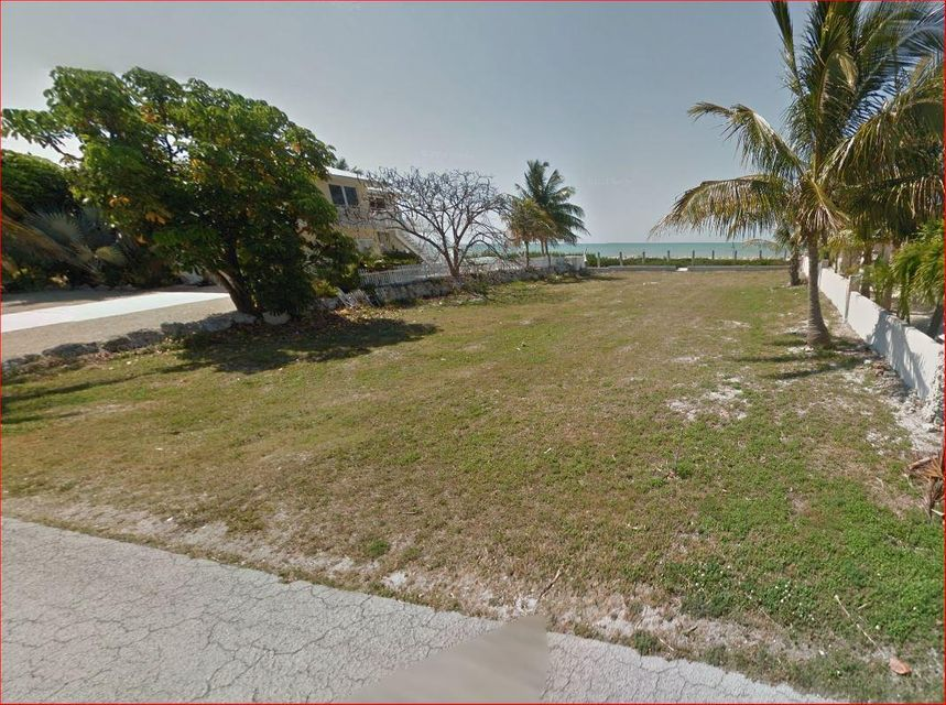 Additional photo for property listing at 240 W Seaview Circle  Duck Key, Florida 33050 Estados Unidos