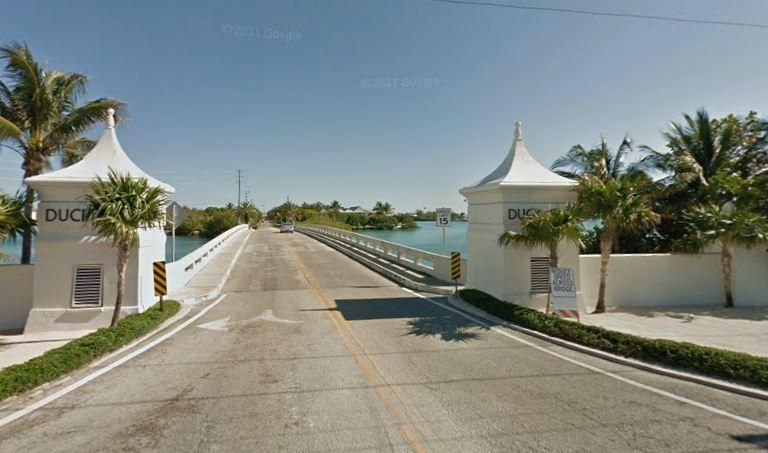 Additional photo for property listing at 240 W Seaview Circle  Marathon, Florida 33050 United States