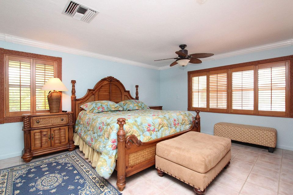 Additional photo for property listing at 280 W Seaview Drive 280 W Seaview Drive Duck Key, Florida 33050 Vereinigte Staaten