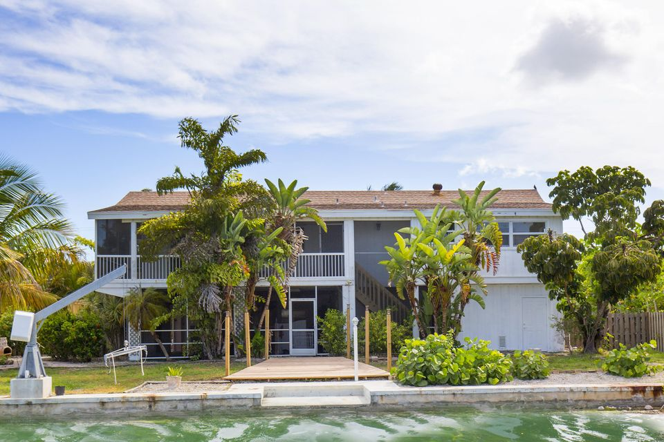 105 Point Drive S, Sugarloaf Key, FL 33042
