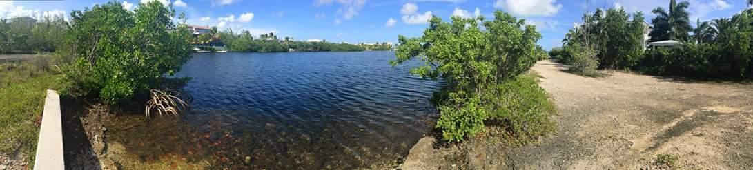 Terrain pour l Vente à 104 LA PALOMA Road 104 LA PALOMA Road Key Largo, Florida 33037 États-Unis