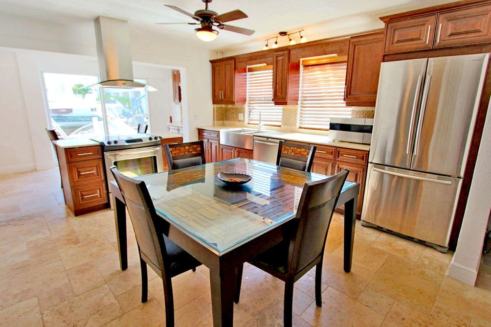 Additional photo for property listing at 115 Snapper Creek Drive  Layton, Florida 33001 Stati Uniti