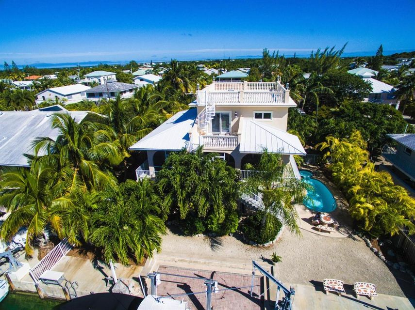 Additional photo for property listing at 1040 Gulf Drive  Summerland Key, Florida 33042 États-Unis