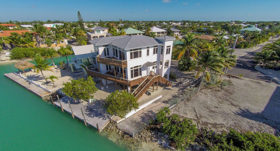 Additional photo for property listing at 819 Lagoon Drive  Summerland Key, Florida 33042 Estados Unidos