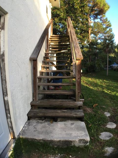 Additional photo for property listing at 54 Palmetto Avenue  Big Pine Key, Florida 33043 Verenigde Staten
