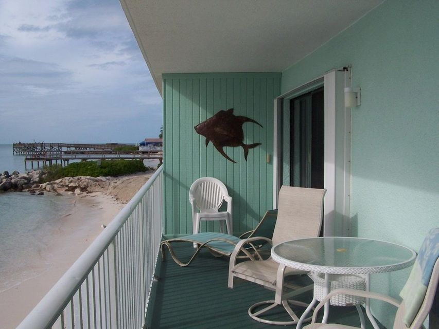 Additional photo for property listing at 201 E Ocean Drive  Key Colony, Florida 33051 United States